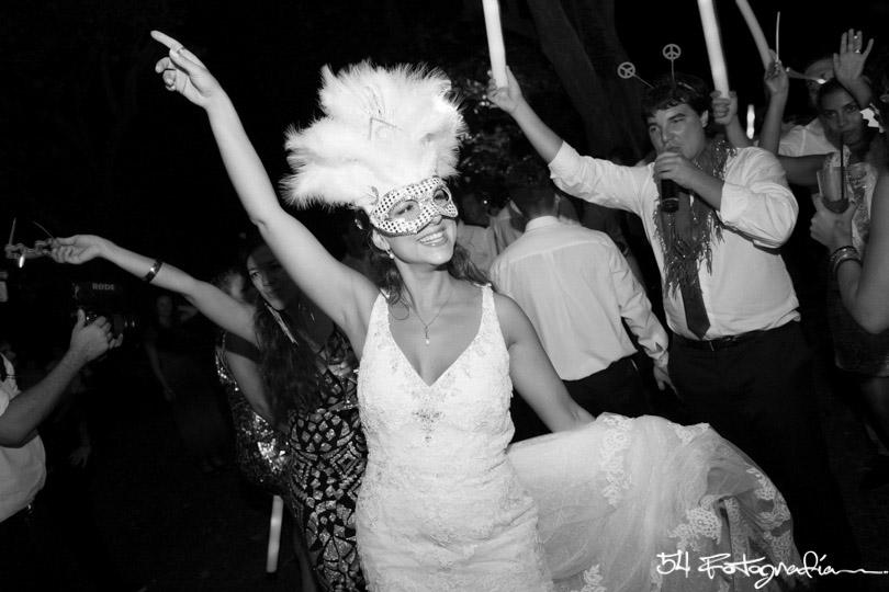 fotografo de bodas la plata, fotoperiodismo de bodas la plata, fotografo de casamientos la plata, fotografia documental de bodas, la plata, argentina, foto de casamientos, fiesta casamiento, fiesta boda, carnaval carioca, buenos aires
